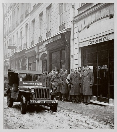 American Soldiers 31 rue Cambon 1945 fashion.telegraph.co.uk